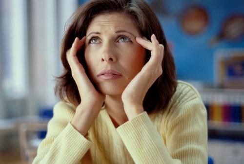 1. Rối loạn nội tiết bắt đầu xảy ra với phụ nữ ngoài 30 tuổi