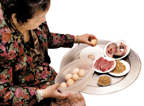 Vitamin B3 có nhiều trong thịt nạc, trứng, cá, ngũ cốc...