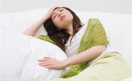 Hạn chế các cơn đau đầu do huyết áp thấp