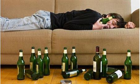 """Đừng """"thi gan"""" với bia rượu 1"""