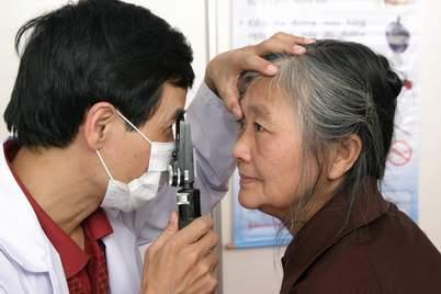 Biến chứng ở mắt do tiểu đường 1