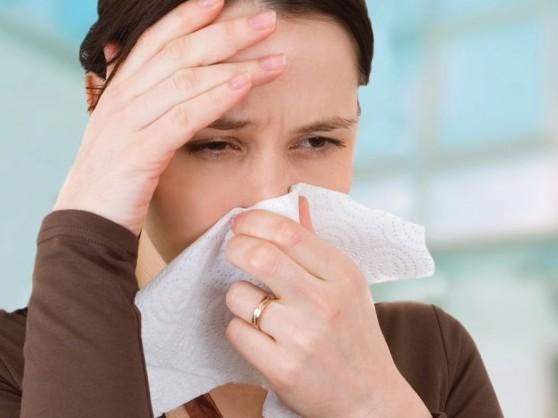 Triệu chứng cơ bản của bệnh viêm mũi dị ứng 1
