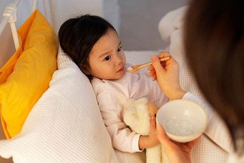 Nên cho trẻ ăn gì khi bị rối loạn tiêu hóa? 1